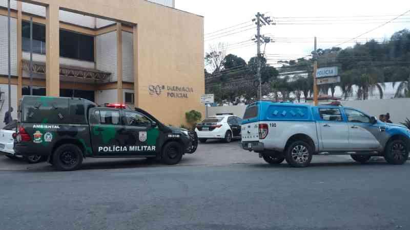 Polícia Ambiental estoura clínica de castração clandestina em Barra Mansa, RJ