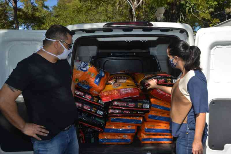 Campanha voluntária de arrecadação de ração passa a aceitar doações pela internet em Jundiaí, SP
