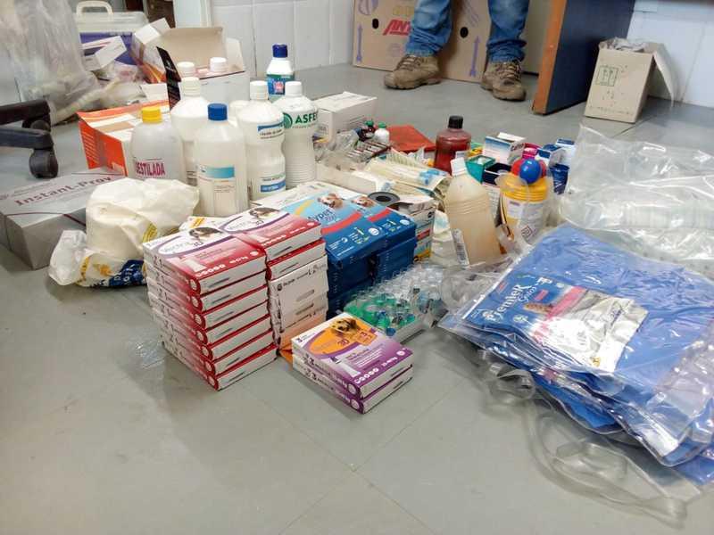 Diversos remédios vencidos e utensílios sem condições de uso foram localizados pela Polícia Civil de Itariri — Foto: Divulgação/Polícia Civil