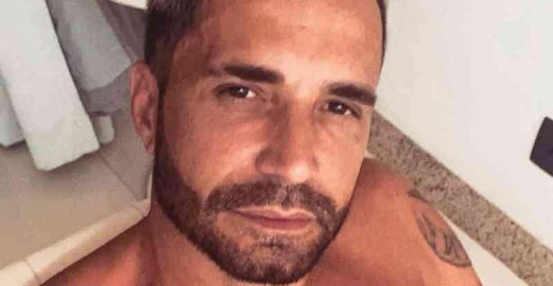 Latino tenta sortear cachorro e acaba detonado nas redes sociais: 'Animal não é kit de maquiagem'