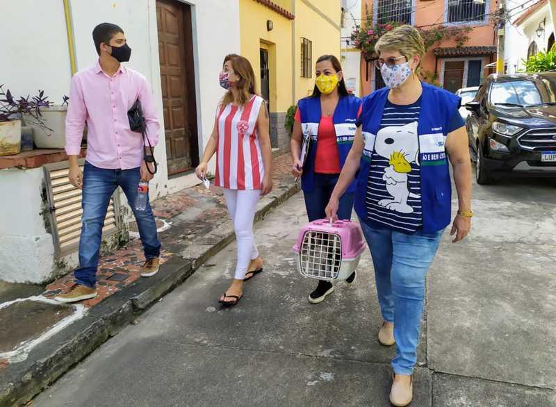 Agentes da Subsecretaria de Proteção e Bem-Estar Animal do Rio de Janeiro fazem mapeamento de abandono de animais durante a pandemia do novo coronavírus — Foto: Divulgação/Subsecretaria de Proteção e Bem-Estar Animal RJ