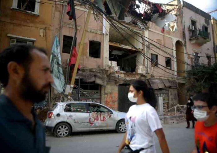 Cidadãos de Beirute reencontram animais de estimação perdidos durante explosão