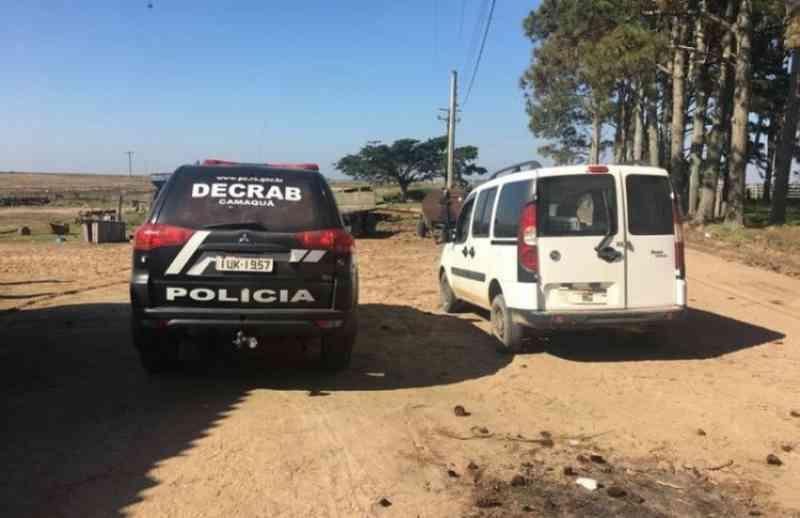 Polícia Civil apreende arma utilizada por homem para matar filhotes de cachorro em Camaquã, RS