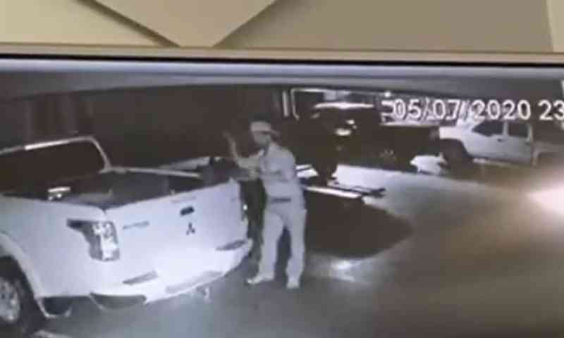 Câmera flagra homem agredindo cachorro em hotel de Rio Branco, AC
