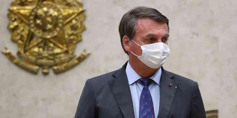 Bolsonaro contesta pena maior para maus-tratos a animais e diz que fará 'enquete'