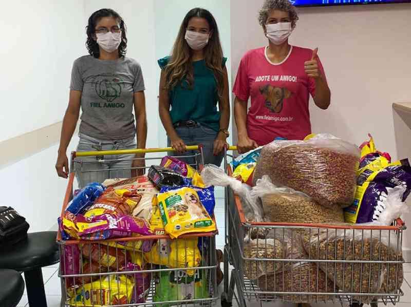 ONG que cuida de animais abandonados em Campo Grande (MS) recebe doação de ração