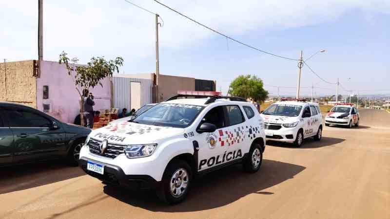 Polícia Militar de Leme (SP) encontra rinha de galo e 15 envolvidos são multados em R$ 496 mil