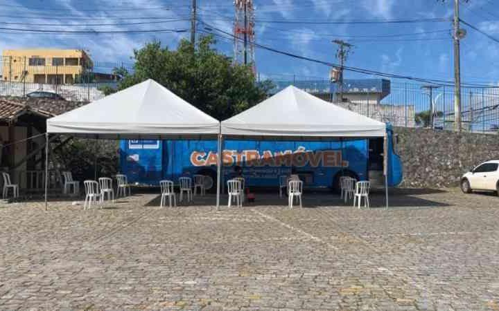 Unidade do castramóvel retoma atividades e realiza atendimentos no bairro de Itapuã, em Salvador, BA
