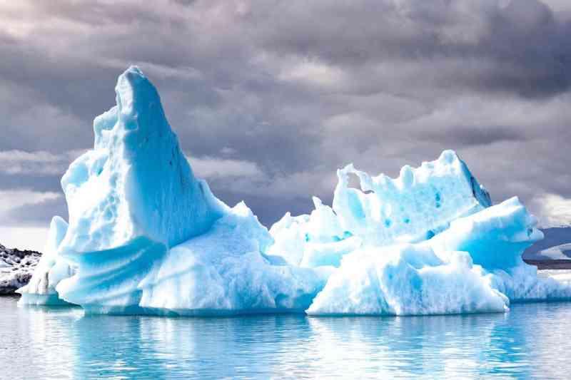 O maior iceberg do mundo ameaça um habitat essencial de pinguins