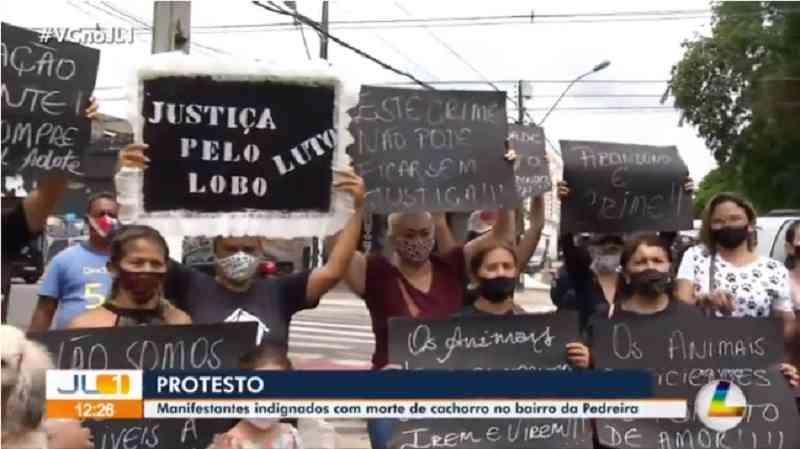 Manifestantes pedem a prisão de homem que matou cachorro a tiros no bairro da Pedreira, em Belém, PA