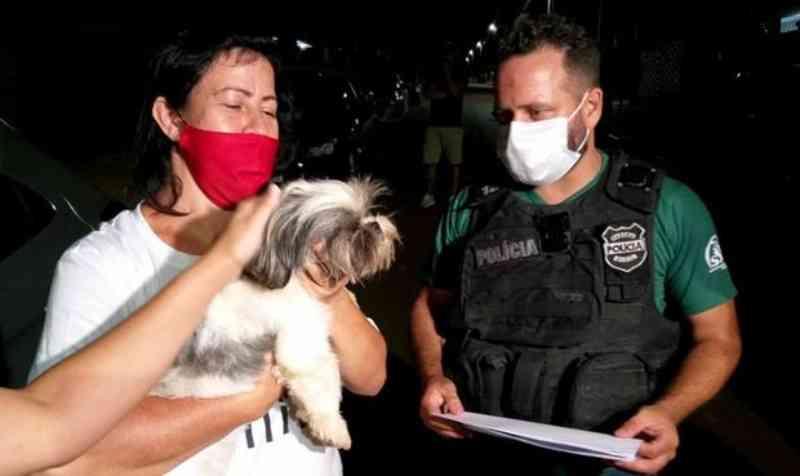 Homem é preso após agredir cachorro em Sarandi (PR); ONG resgatou animal