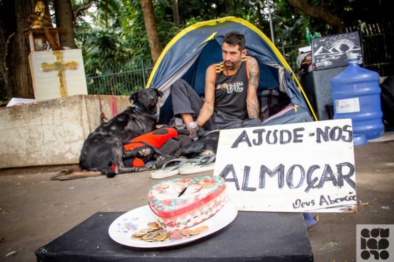 Animais de moradores de rua receberão cuidados da Prefeitura do Rio