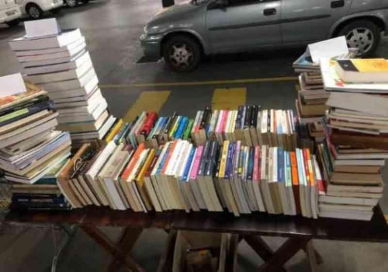 Associação pede doações de livros para buscar dinheiro para a castração social em Itajaí, SC