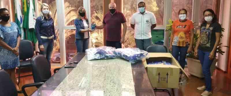 ONG Arca de Noé de Marechal Rondon (PR) recebe equipamentos para a chipagem de animais