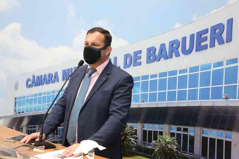 Barueri (SP) terá comedouro, bebedouro e casinhas para animais de rua