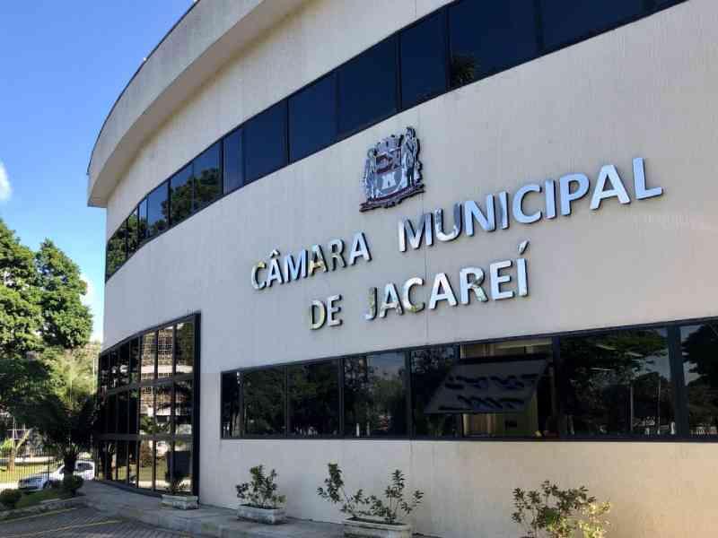 Câmara de Jacareí (SP) proíbe distribuição gratuita de animais como maneira de 'atrair público'