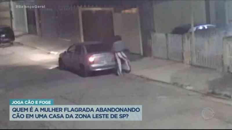 Quem é a mulher flagrada abandonando cachorro em casa da zona leste de SP?