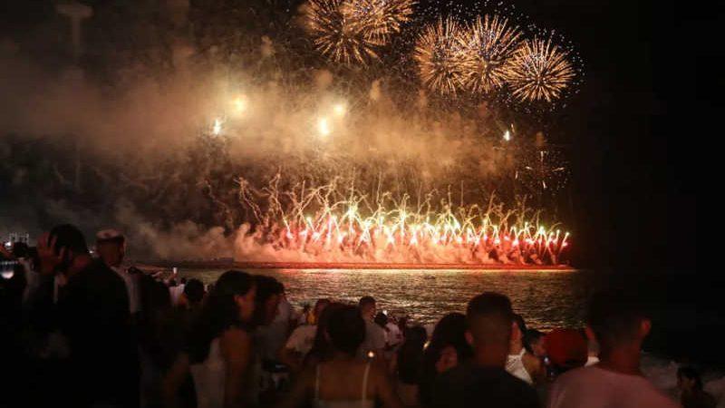 A queima de fogos é uma parte tradicional do réveillon em Fortaleza. — Foto: José Leomar/Sistema Verdes Mares