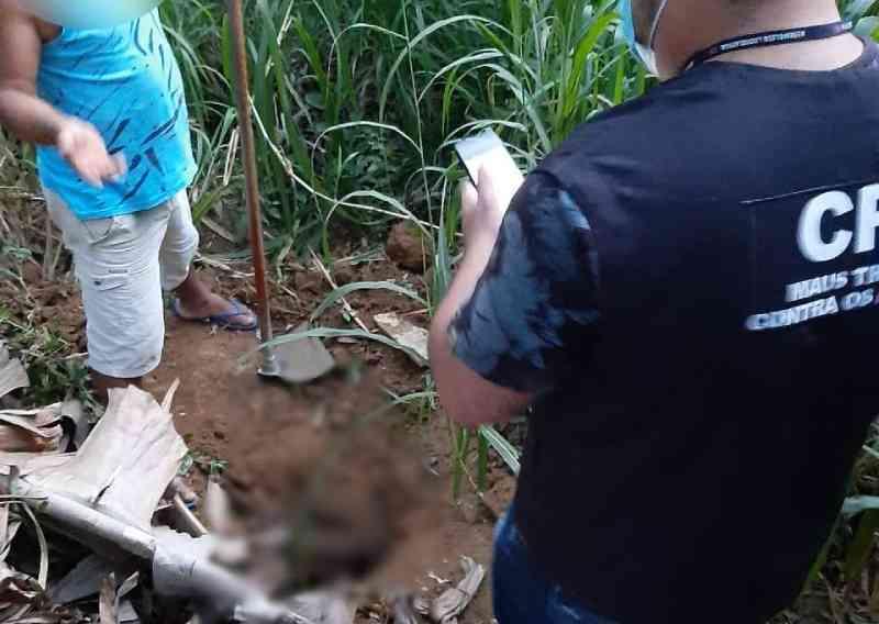 Homem é preso suspeito de matar a pauladas e enterrar cadela do vizinho, na Serra, ES