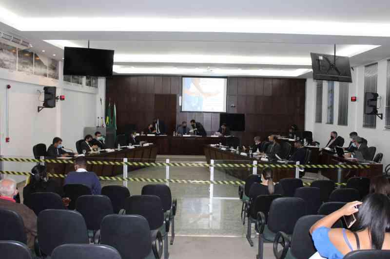 Vereadores querem proibir fogos de artifício em João Monlevade, MG