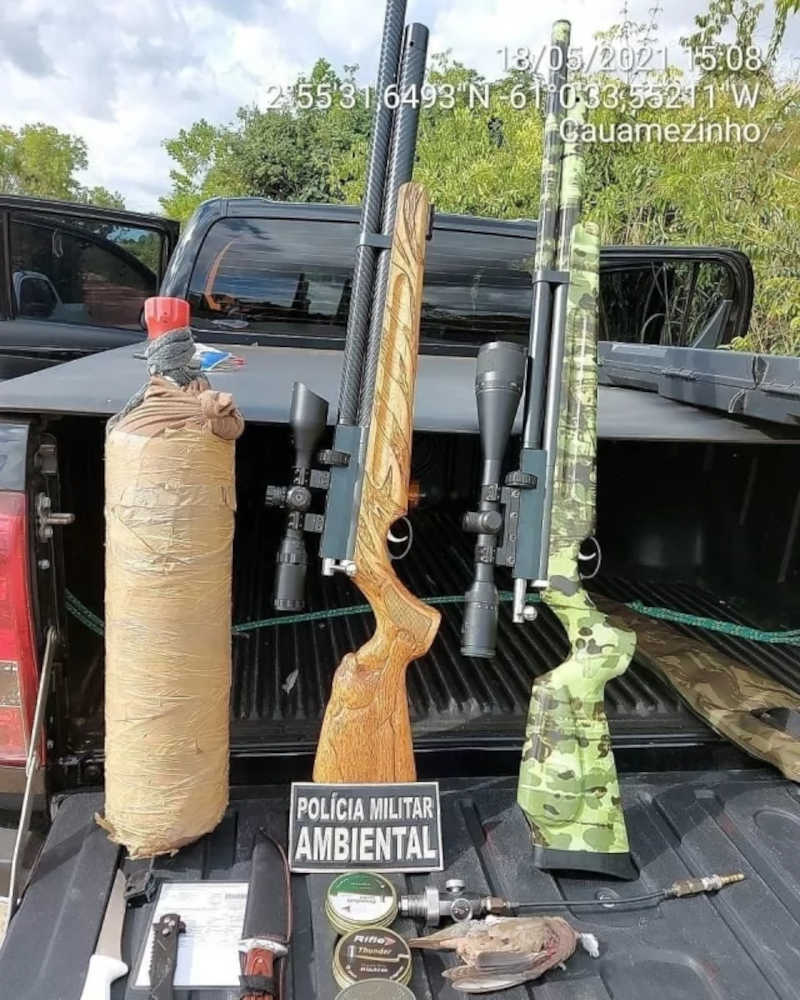 Armas e outros itens apreendidos pela Cipa (Foto: Ascom PMRR)