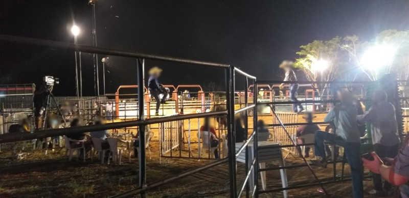 Pessoas foram flagradas participando de rodeio em Cedral — Foto: Arquivo Pessoal