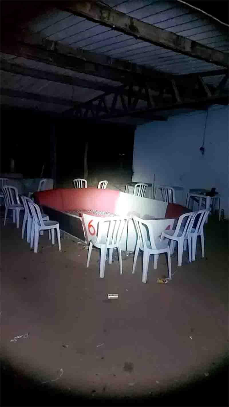 Moradores denunciaram que homens armados estavam em uma rinha em uma propriedade rural. Foto: PMMT