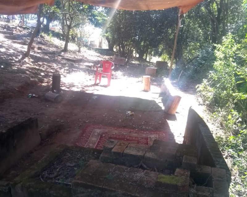 Três pessoas foram detidas suspeitas de participação em rinha de galo em Jarinu — Foto: Guarda Civil Municipal/Divulgação
