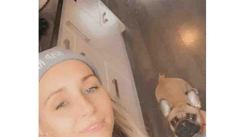 Laura Kyle e o cão, Betty.