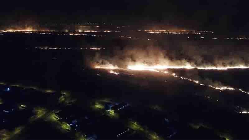 Local do incêndio fica próximo à área urbana em Vilhena, RO. Foto: Semma/Divulgação