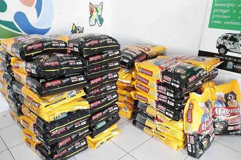 Banco de Ração distribui uma tonelada para ONGs que cuidam de animais em Cascavel, PR