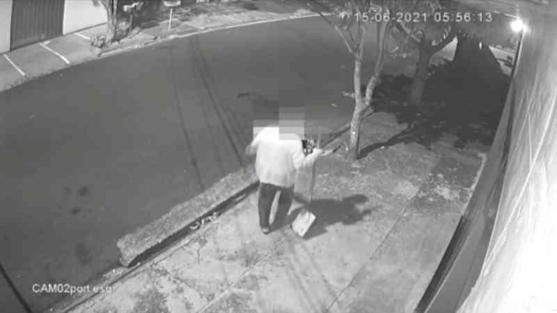 Imagens fortes: Homem é flagrado matando gato com pá em São Joaquim da Barra, SP