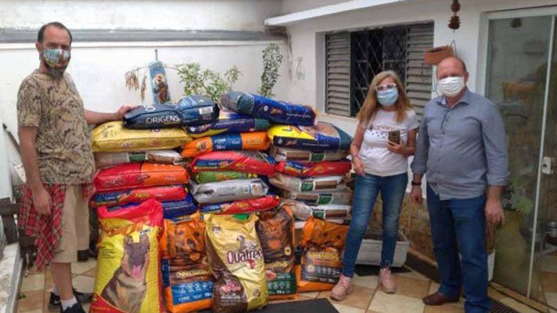 Prefeitura doa 800 kg de ração a ONGs de proteção aos animais (Foto: Prefeitura de Americana/ Divulgação)