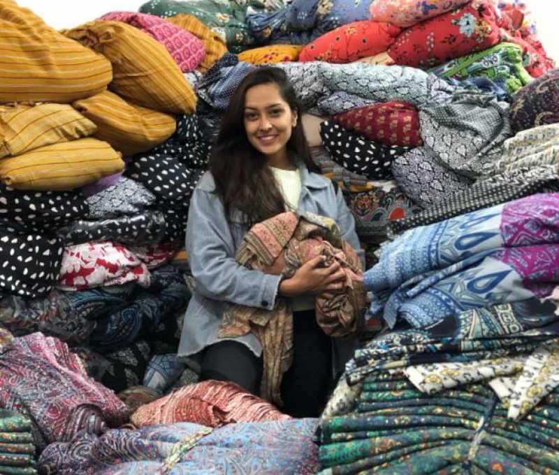Ishita Desai é fundadora da Aanya, uma loja boho-chic que vende roupas e acessórios sustentáveis e de origem ética.