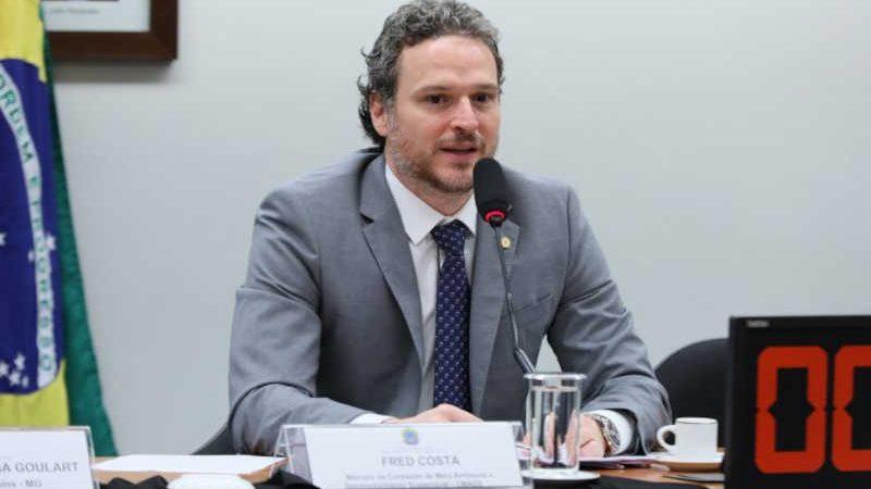 Fred Costa: prática da eutanásia por municípios é generalizada (Najara Araujo/Câmara dos Deputados)