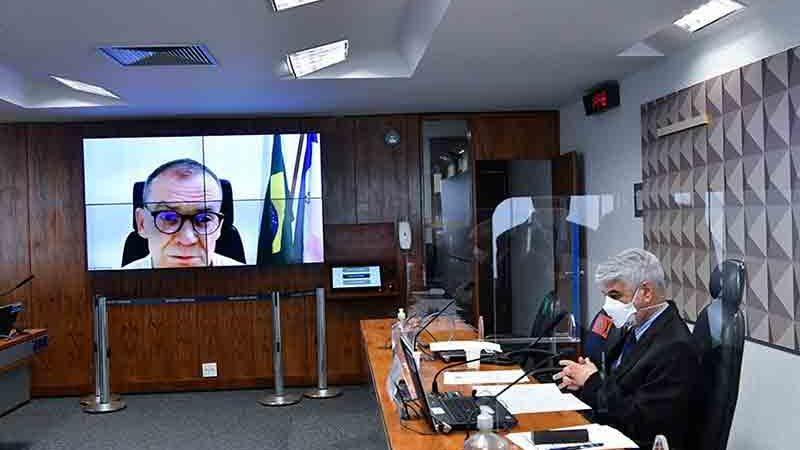 Em seu parecer, senador Fabiano Contarato (REDE-ES) destacou que a proibição de exportação de boi vivo pode aumentar a exportação de carne in natura ou em cortes especiais. Foto: Leopoldo Silva/Agência Senado