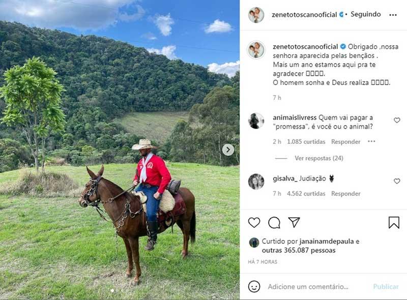 Zé Neto, dupla de Cristiano, é alvo de críticas por fazer romaria montado em burro: 'A gente reveza um animal por dia', rebate cantor