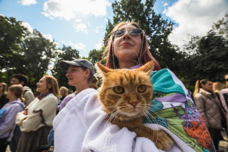 Milhares marcham pelos direitos dos animais em Kiev, Ucrânia