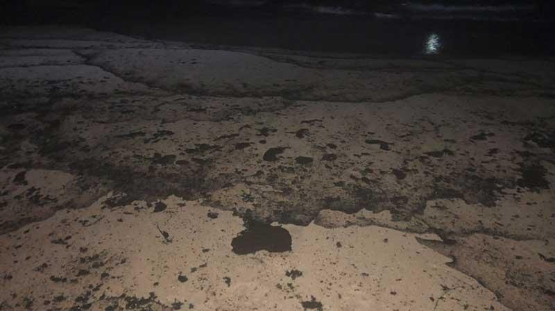 Vazamento de óleo em Huntington Beach, na Califórnia Reprodução Twitter/Supervisor Katrina Foley